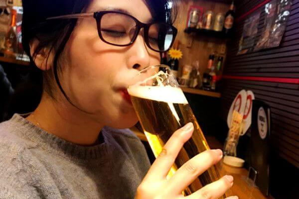 ビール呑むハラハラ