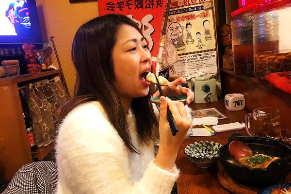 みっちゃん餃子食べる